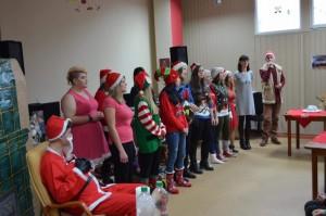 Uczniowie z Kościelca dla podopiecznych Dziennego Domu Seniora w Janikowie