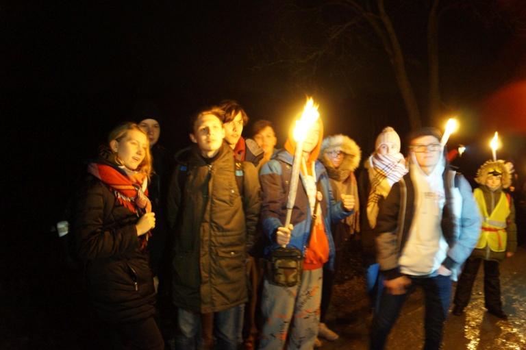 Nocny Marsz PTTK w Zespole Szkół Ponadgimnazjalnych im Jana Pawła II w Kościelcu