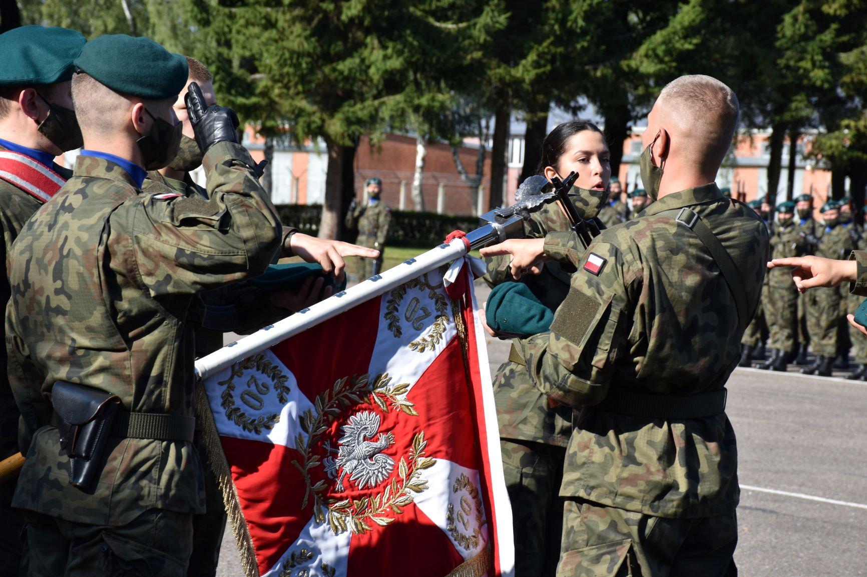 Absolwenci kościeleckiej mundurówki złożyli przysięgę wojskową