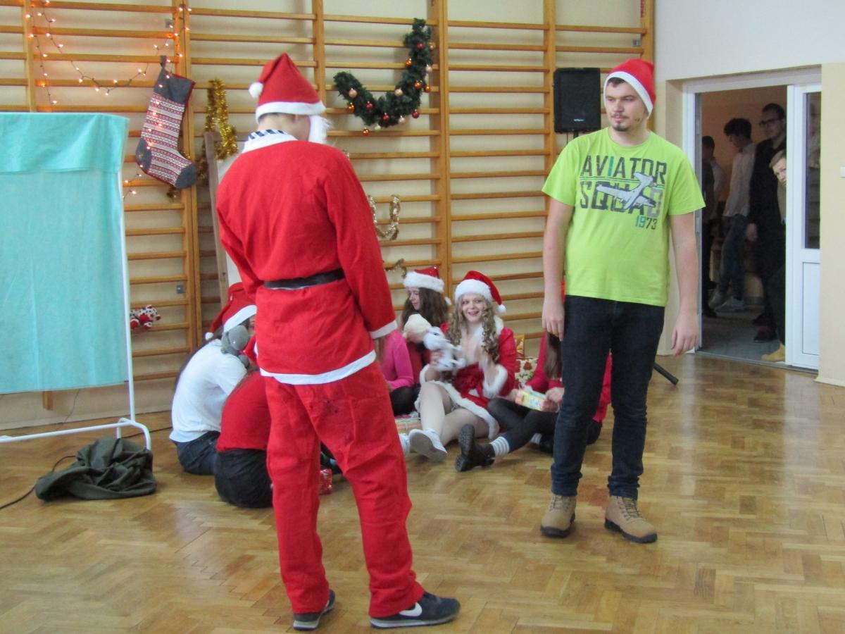 W świątecznej Atmosferze Po Polsku I Po Angielsku Zsp Kościelec